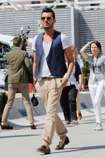 mens-fashion-week-blue-vest-h724