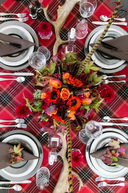 rustic-chic-thanksgiving-table-decor-14